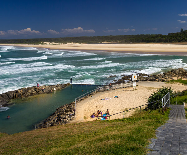 A small coastal town next to Coffs Harbour with absolutely gorgeous beaches and water activities is an excellent place to have a vacation.